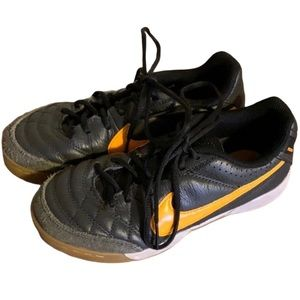 """Nike """"Tiempo"""" Grey Leather Shoes - Boy's Size 13"""